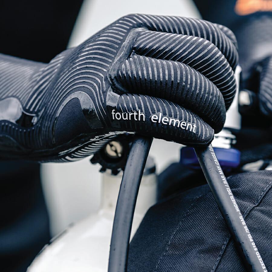 https://thehonestdiver.com/wp-content/uploads/2020/06/Fourth-Element-3mm-Gloves-Kit-Set-Up.jpg