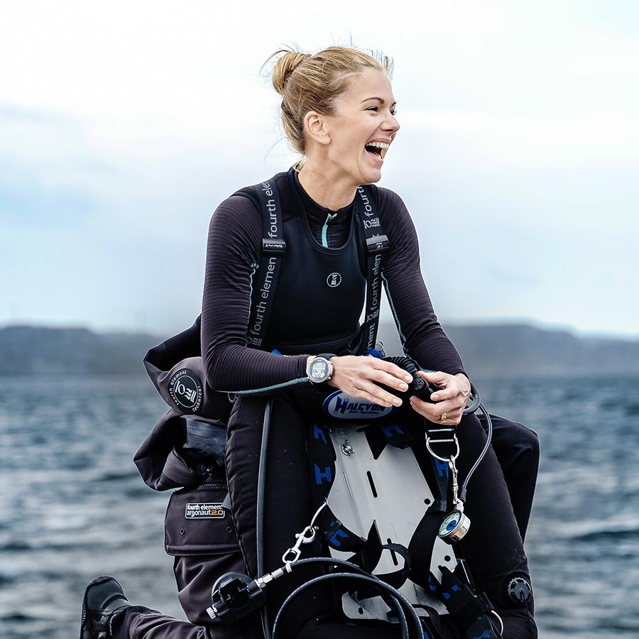 https://thehonestdiver.com/wp-content/uploads/2020/06/Fourth-Element-Xore-Vest-Ladies-Diver.jpg