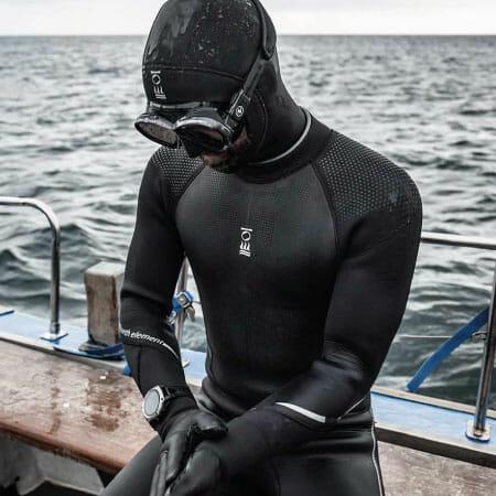 https://thehonestdiver.com/wp-content/uploads/2021/01/Fourth-Element-Xenos-7mm-Wetsuit-Scuba-Diving-Wetsuit.jpg